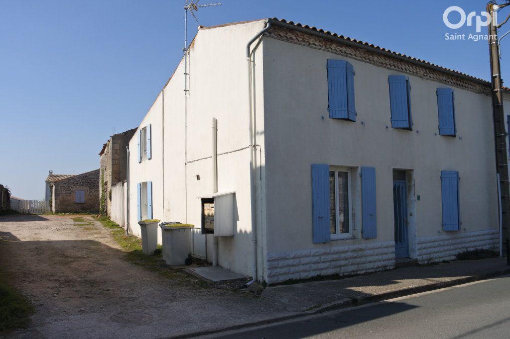 Maison à vendre 12 175m2 à Saint-Agnant vignette-2