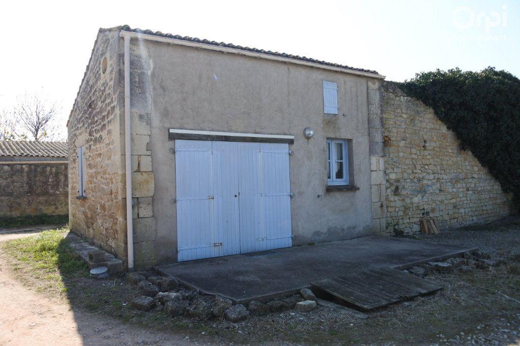 Maison à vendre 12 175m2 à Saint-Agnant vignette-3