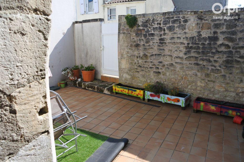 Maison à vendre 12 175m2 à Saint-Agnant vignette-6