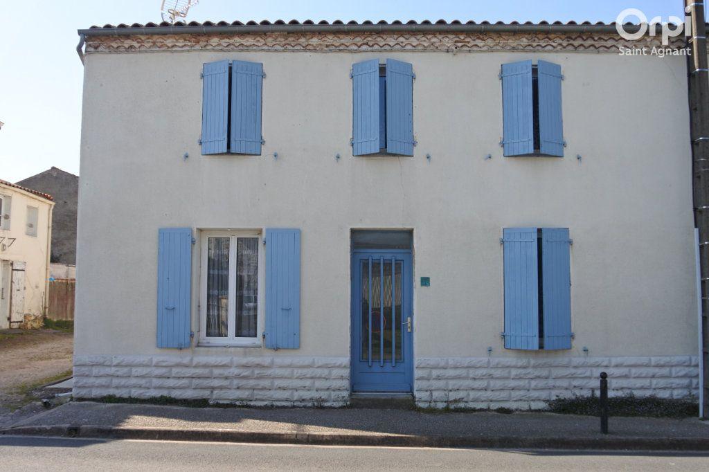 Maison à vendre 12 175m2 à Saint-Agnant vignette-7