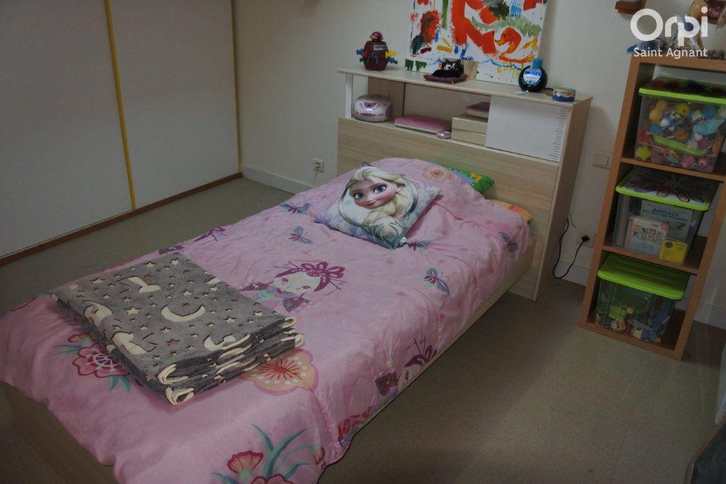 Maison à vendre 12 175m2 à Saint-Agnant vignette-16