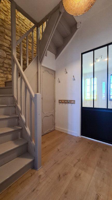 Appartement à vendre 4 75m2 à Rochefort vignette-3