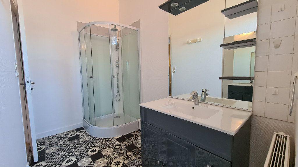 Appartement à vendre 4 75m2 à Rochefort vignette-4