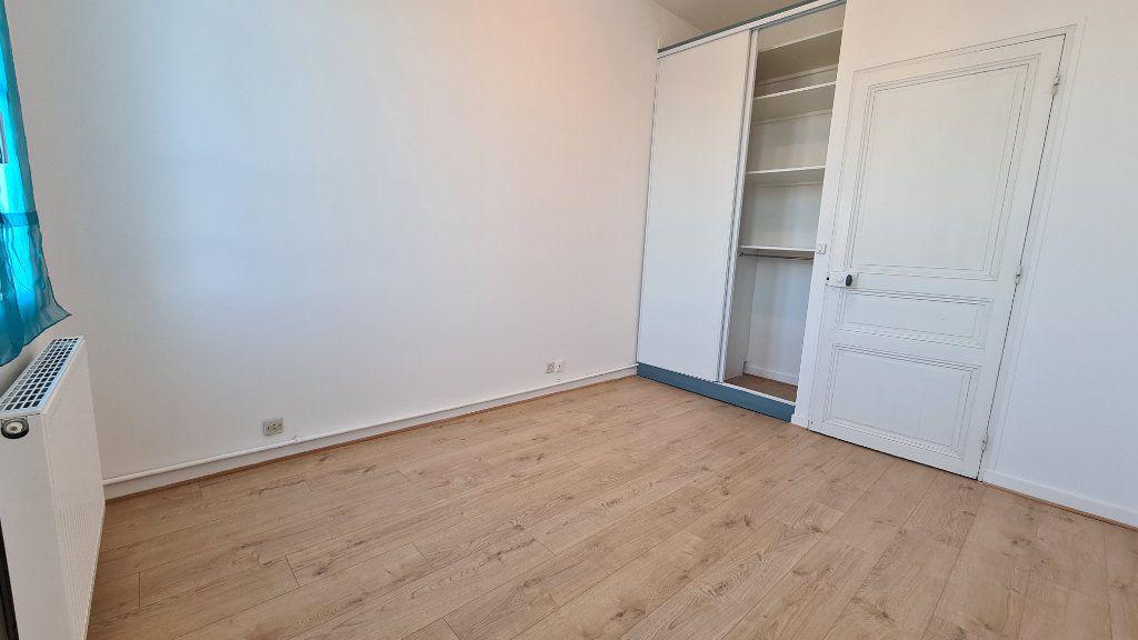 Appartement à vendre 4 75m2 à Rochefort vignette-5