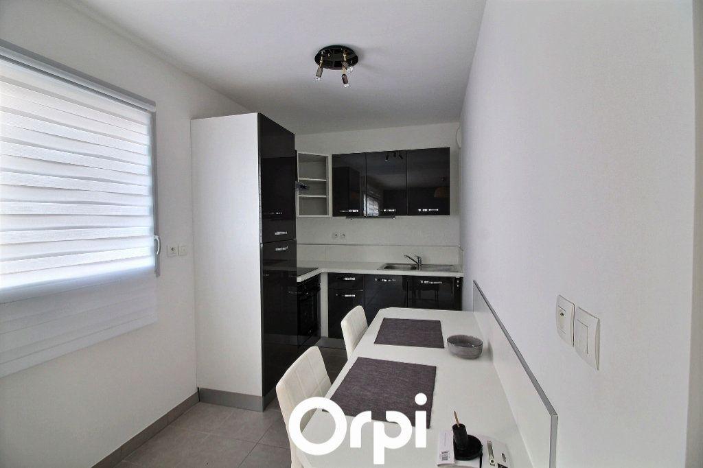 Appartement à louer 1 29.88m2 à Marseille 6 vignette-3