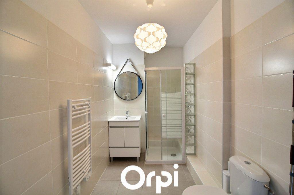 Appartement à louer 1 29.88m2 à Marseille 6 vignette-4