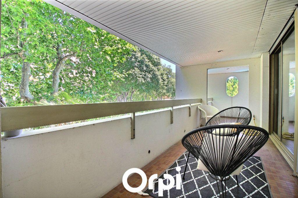 Appartement à vendre 4 125m2 à Marseille 8 vignette-2
