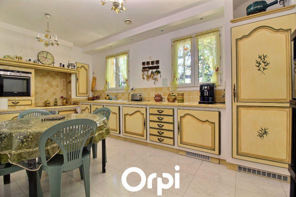 Maison à vendre 8 220m2 à Marseille 11 vignette-10