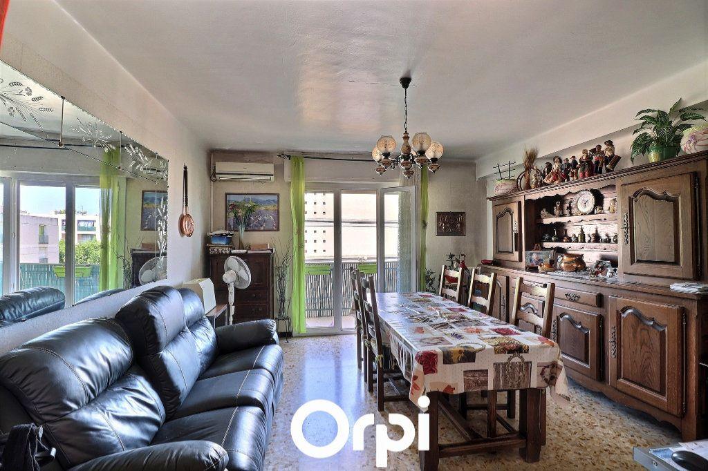 Appartement à vendre 3 70m2 à Marseille 14 vignette-2