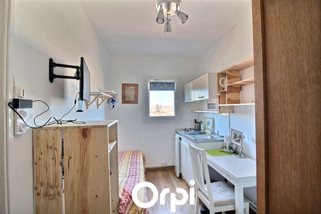 Appartement à louer 1 10m2 à Marseille 6 vignette-2
