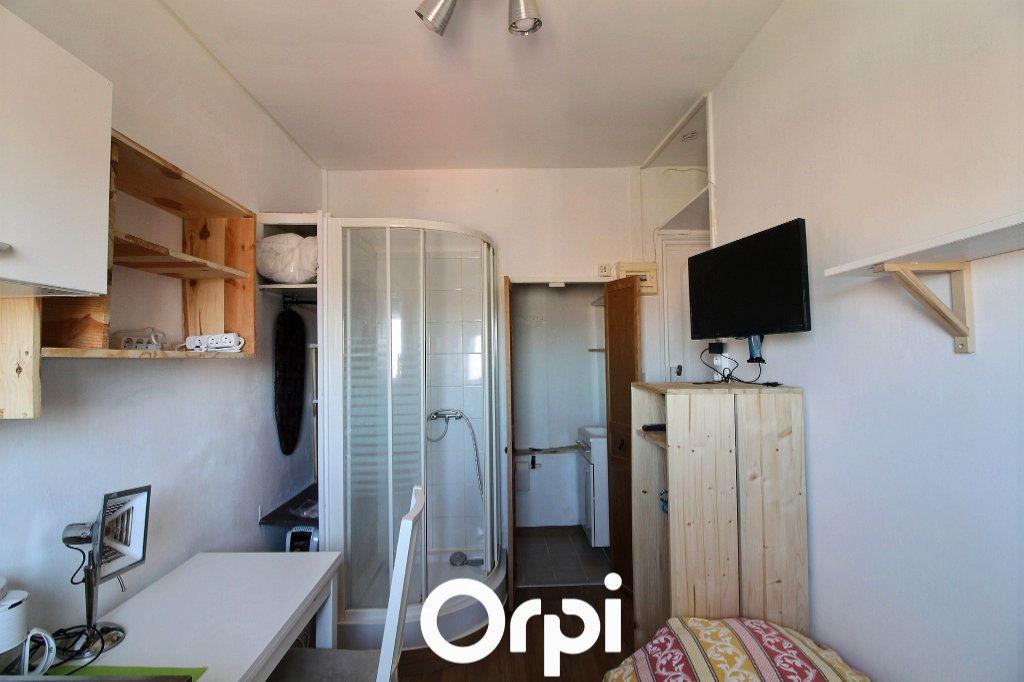 Appartement à louer 1 10m2 à Marseille 6 vignette-3