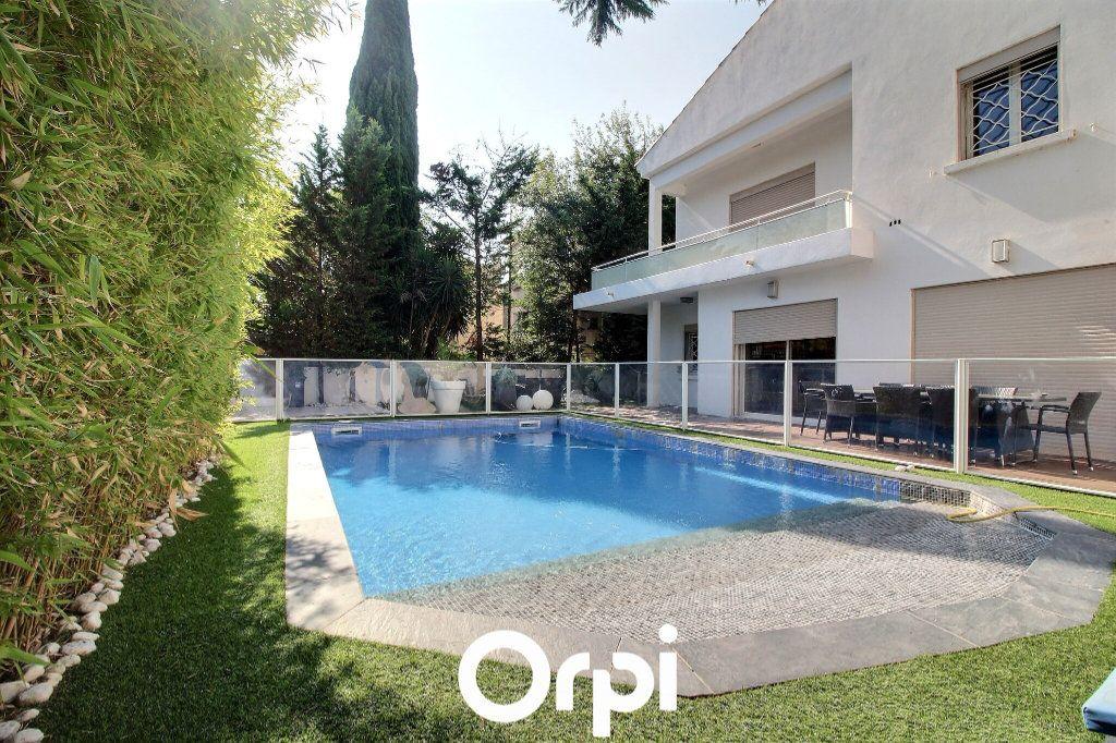 Maison à vendre 5 225m2 à Marseille 9 vignette-1