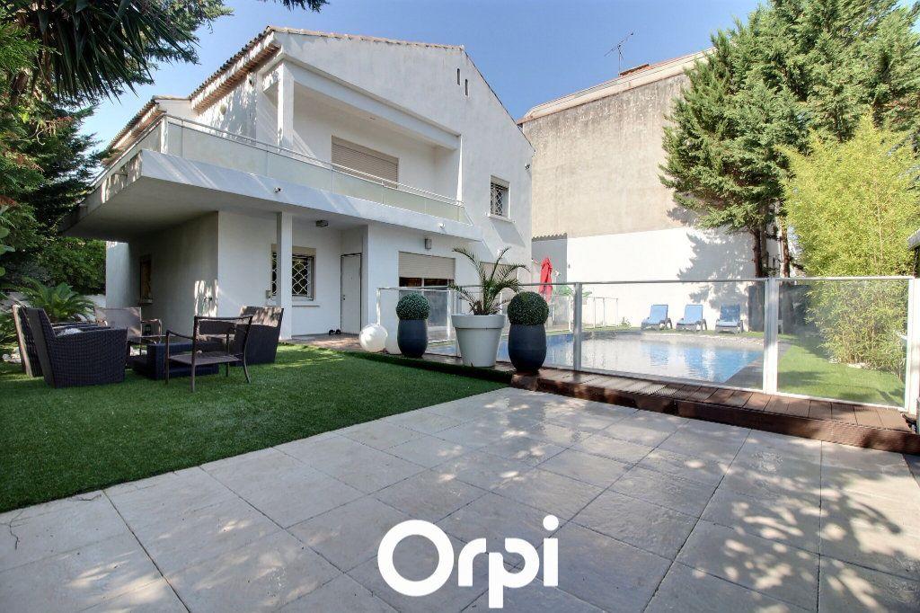 Maison à vendre 5 225m2 à Marseille 9 vignette-2