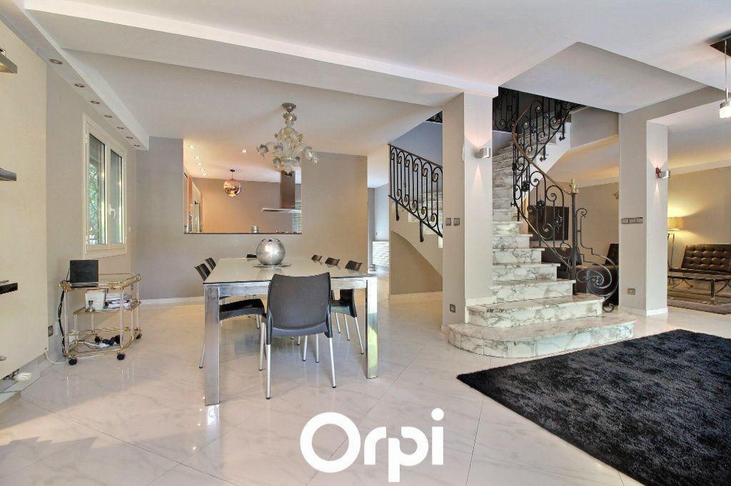 Maison à vendre 5 225m2 à Marseille 9 vignette-7