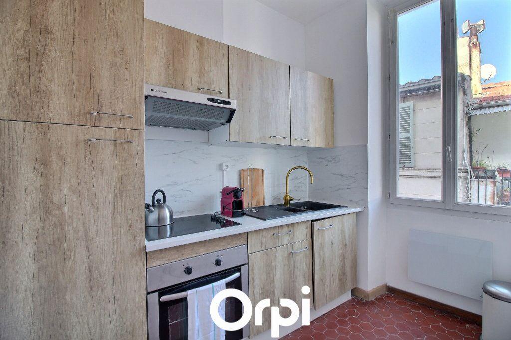 Appartement à louer 1 40m2 à Marseille 2 vignette-3
