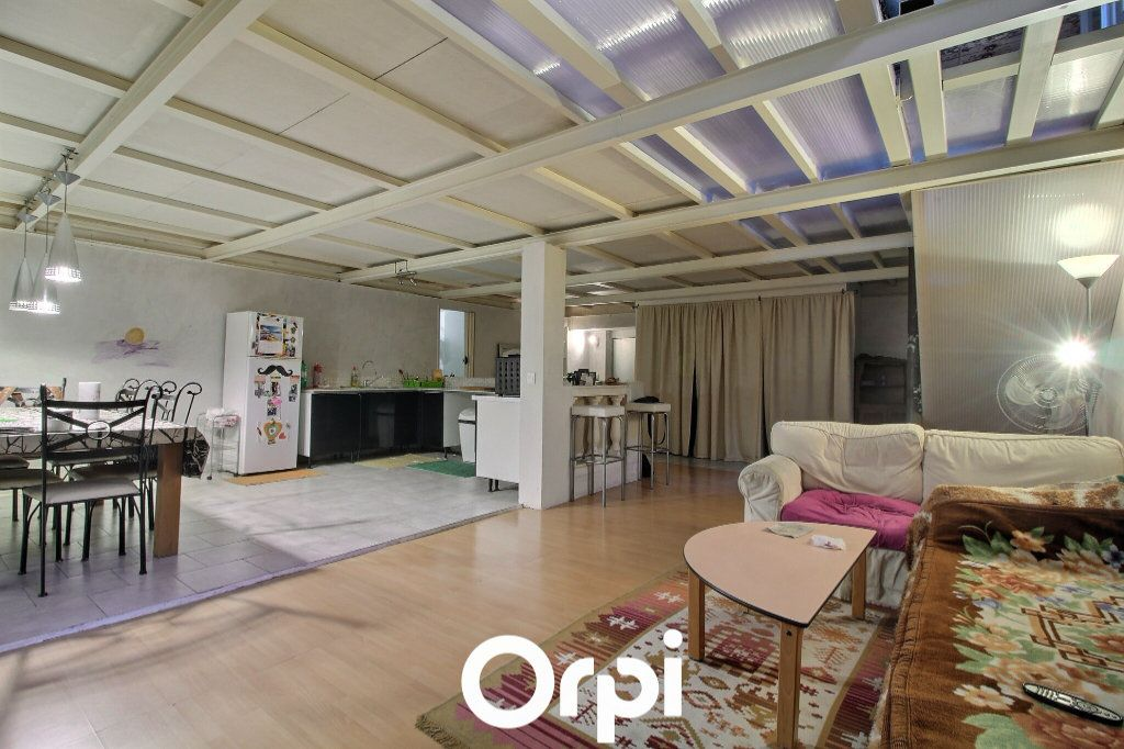 Appartement à vendre 4 125m2 à Marseille 2 vignette-1
