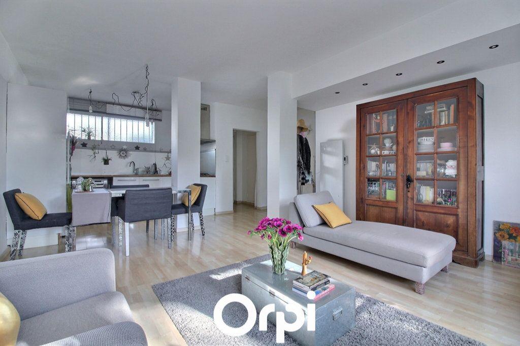 Appartement à vendre 3 72m2 à Marseille 8 vignette-3