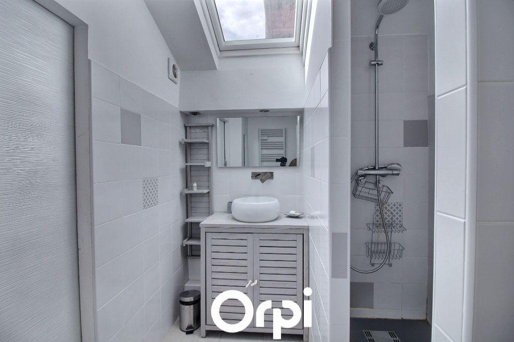 Appartement à louer 3 51m2 à Marseille 8 vignette-6