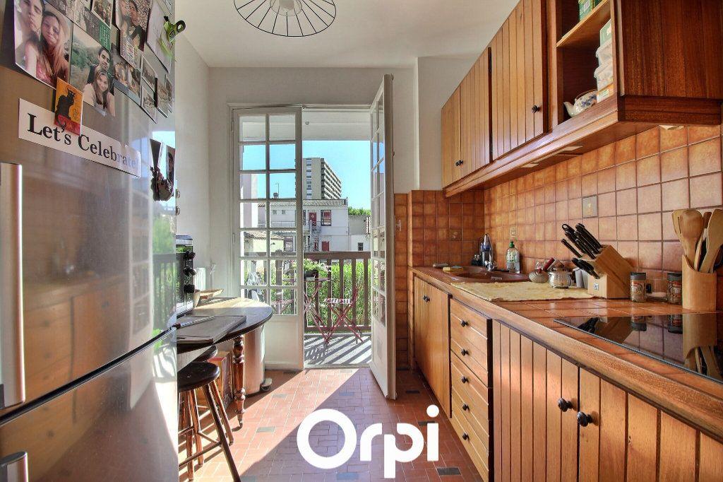 Appartement à vendre 2 38.7m2 à Marseille 8 vignette-3