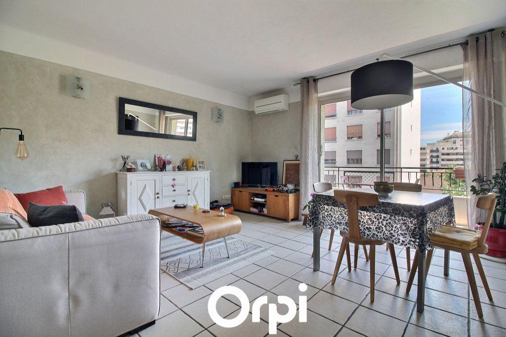 Appartement à vendre 3 69.17m2 à Marseille 6 vignette-1