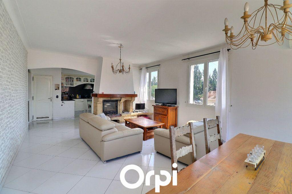 Maison à vendre 4 108m2 à Port-de-Bouc vignette-1