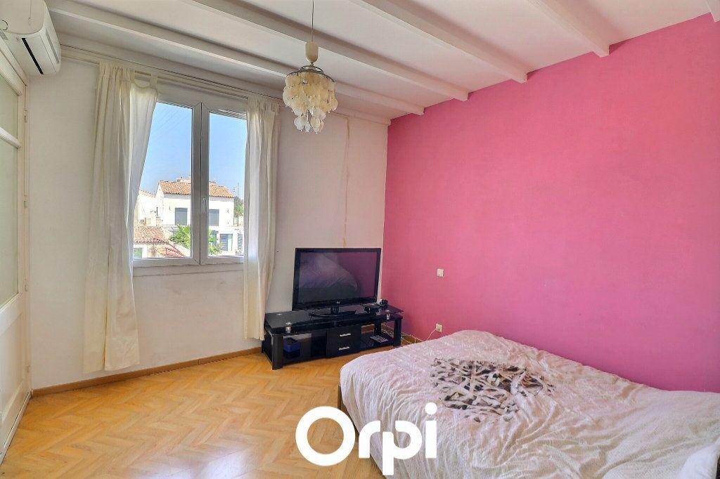 Maison à vendre 4 108m2 à Port-de-Bouc vignette-6