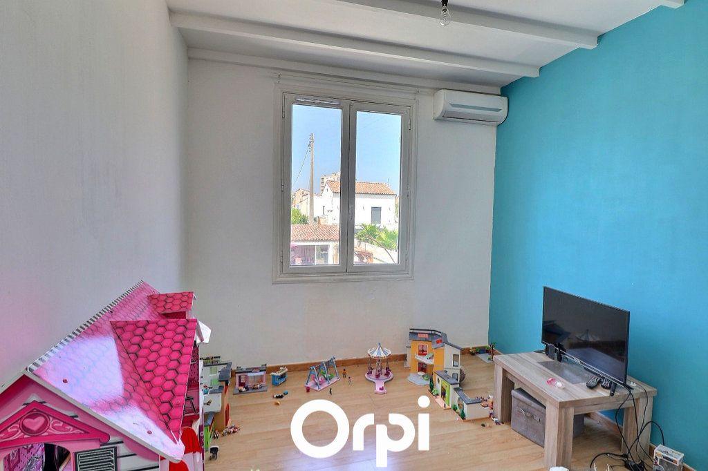 Maison à vendre 4 108m2 à Port-de-Bouc vignette-7