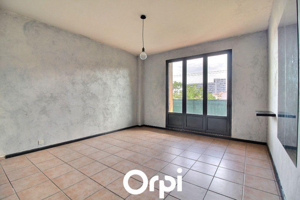 Appartement à vendre 3 74m2 à Marseille 4 vignette-3