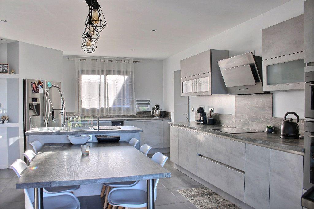 Maison à vendre 4 145.75m2 à Nousty vignette-3