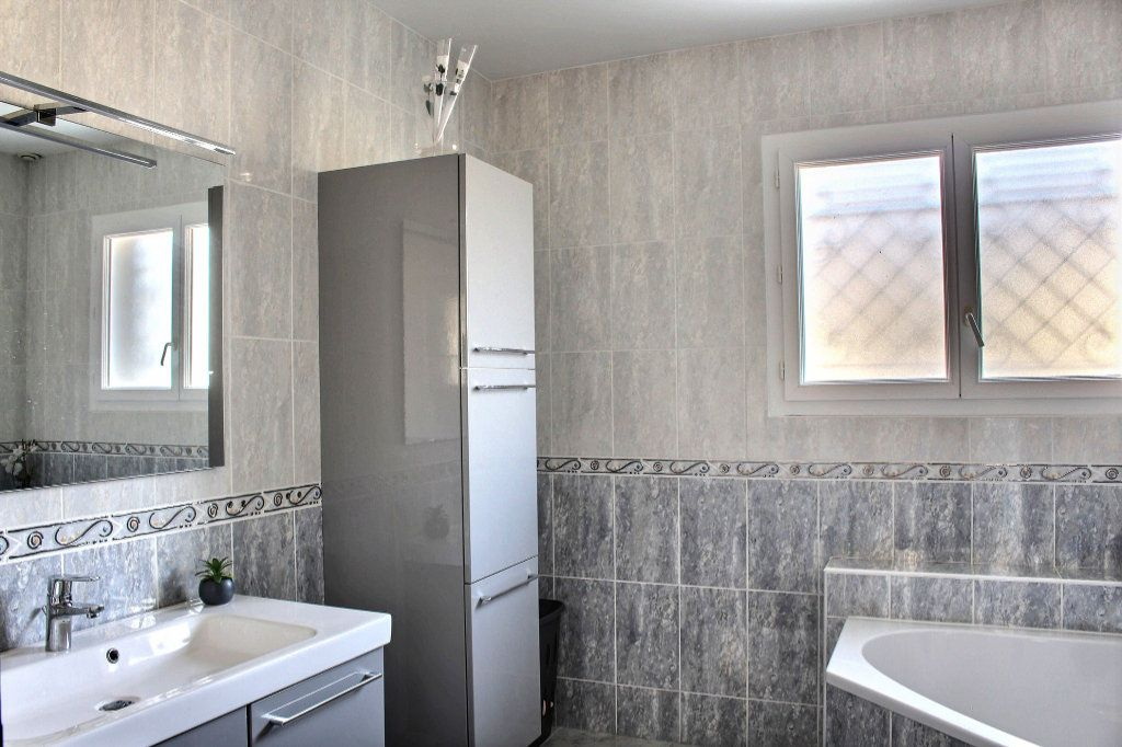 Maison à vendre 6 215m2 à Montardon vignette-5