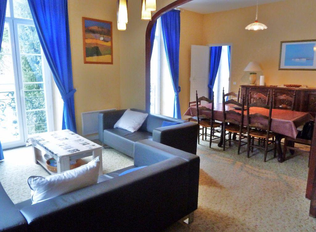 Appartement à vendre 4 98m2 à Eaux-Bonnes vignette-1