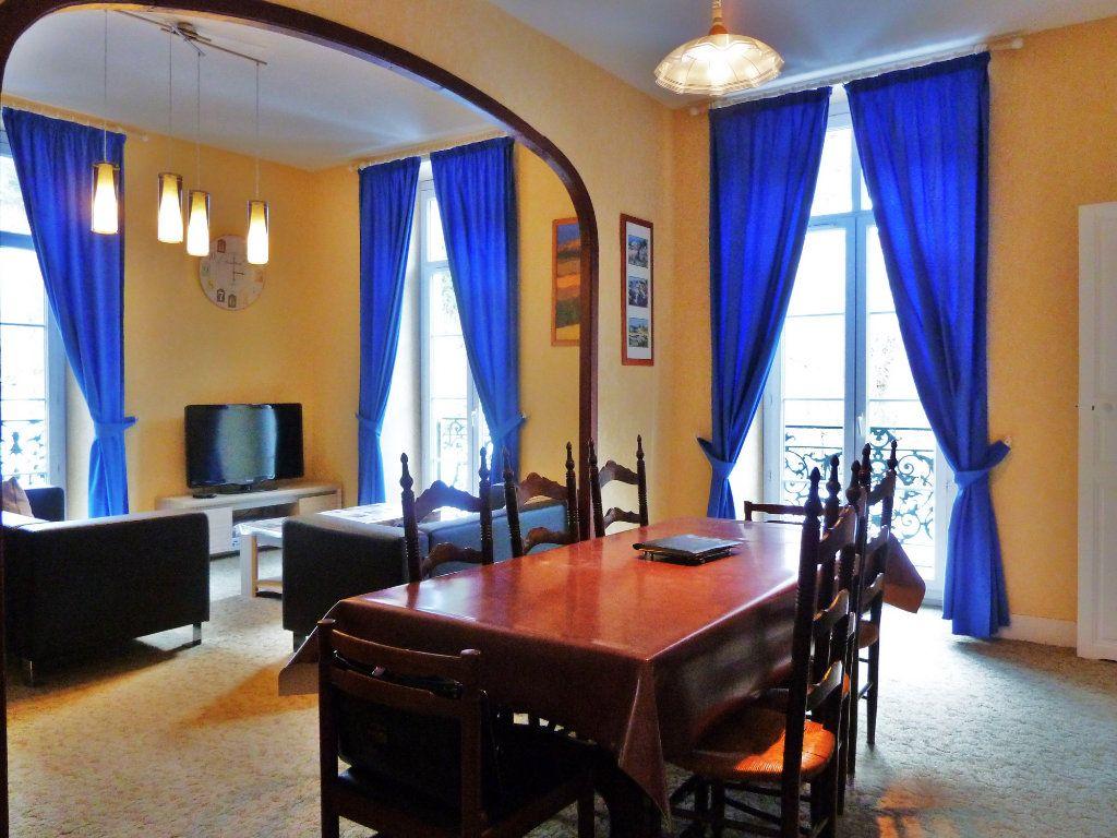 Appartement à vendre 4 98m2 à Eaux-Bonnes vignette-2