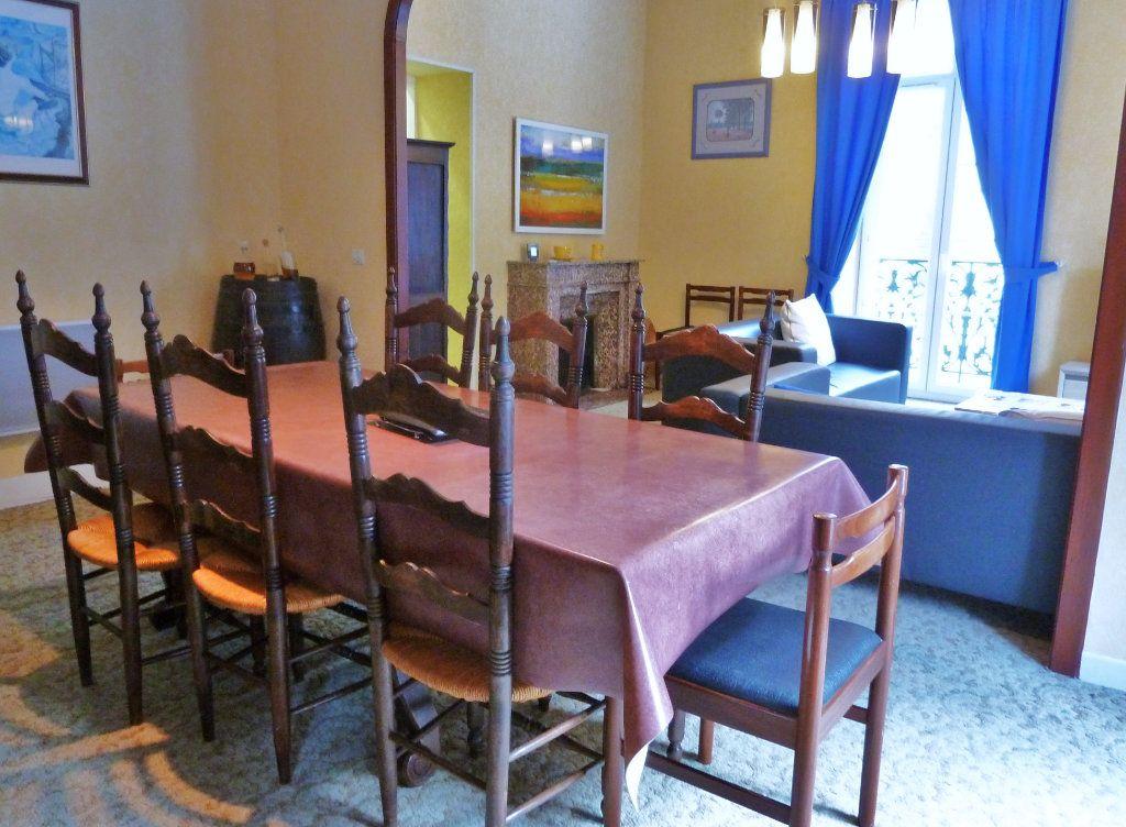 Appartement à vendre 4 98m2 à Eaux-Bonnes vignette-4