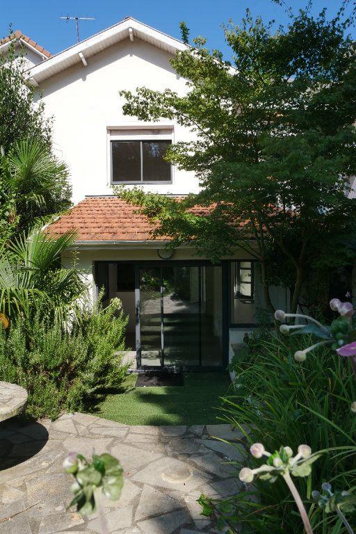Maison à vendre 5 101.92m2 à Pau vignette-1