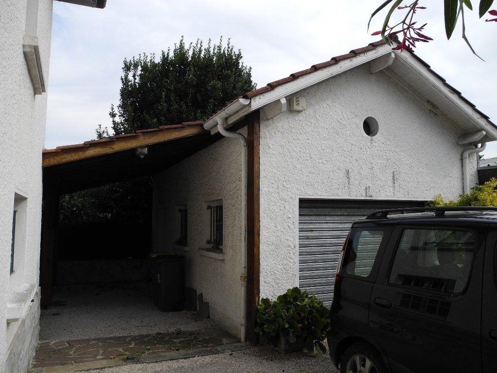 Maison à vendre 6 127.6m2 à Jurançon vignette-2