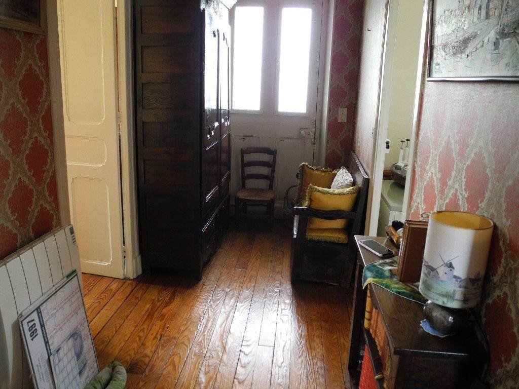 Maison à vendre 6 127.6m2 à Jurançon vignette-3