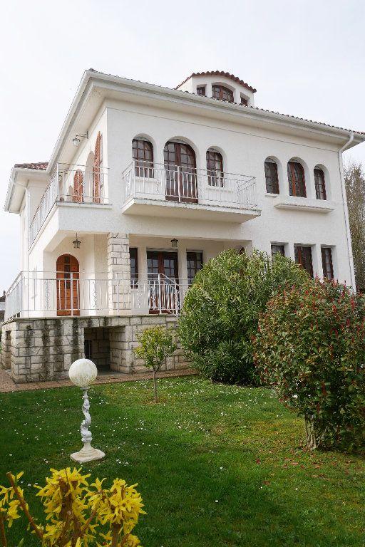 Maison à vendre 7 200m2 à Garlin vignette-9