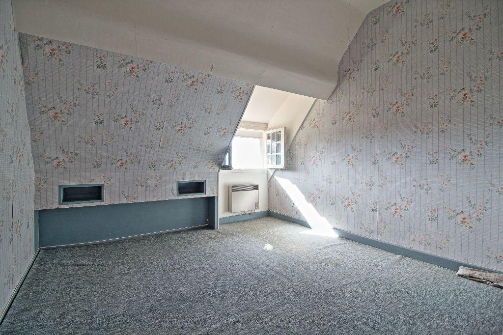 Maison à vendre 5 91m2 à Saint-Sernin-du-Plain vignette-5