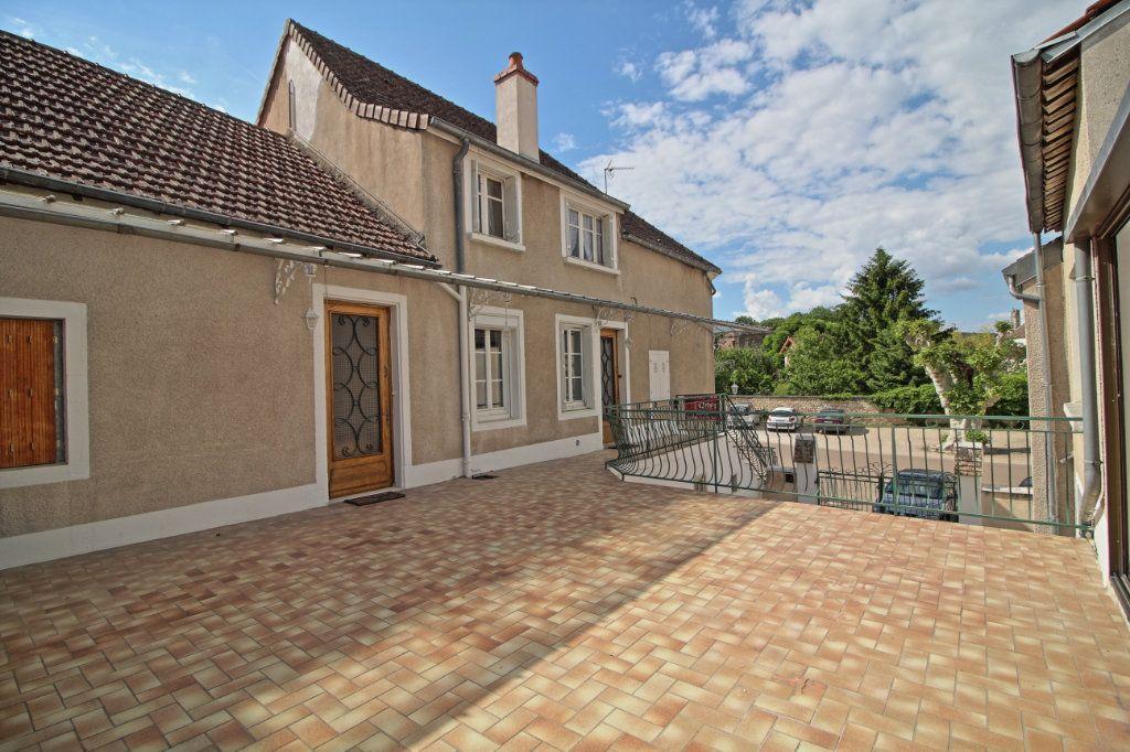 Maison à vendre 9 214m2 à Rully vignette-1