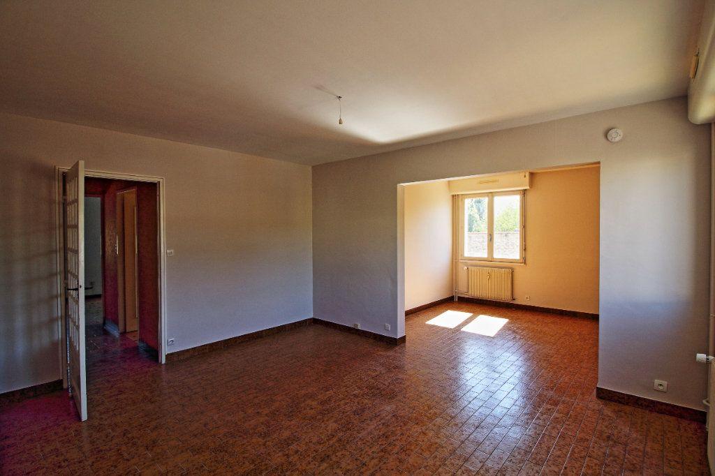 Appartement à louer 3 63.73m2 à Givry vignette-1