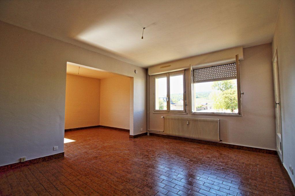 Appartement à louer 3 63.73m2 à Givry vignette-2
