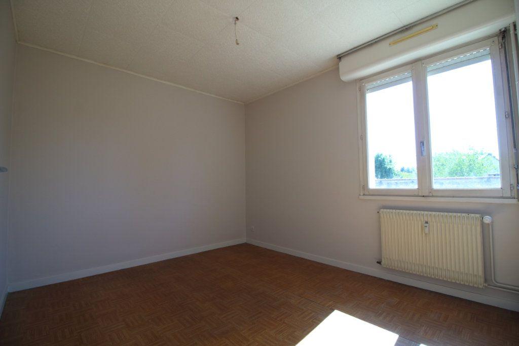 Appartement à louer 3 63.73m2 à Givry vignette-3