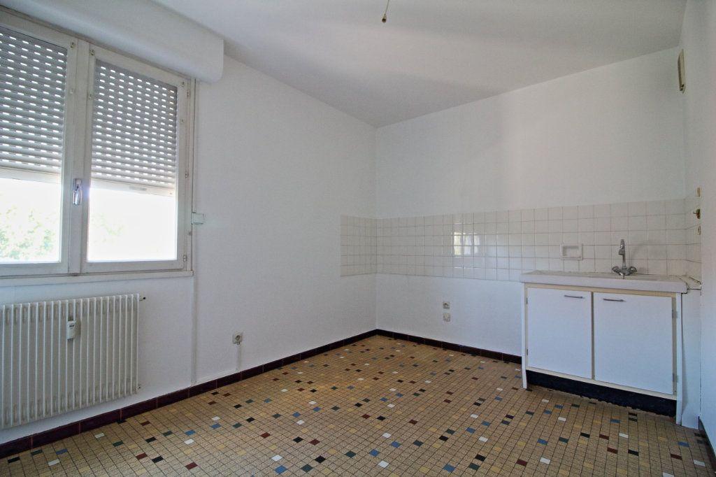 Appartement à louer 3 63.73m2 à Givry vignette-4