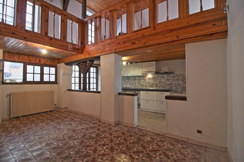 Immeuble à vendre 0 320m2 à Givry vignette-2