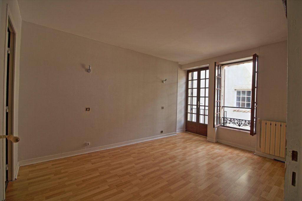 Immeuble à vendre 0 320m2 à Givry vignette-5