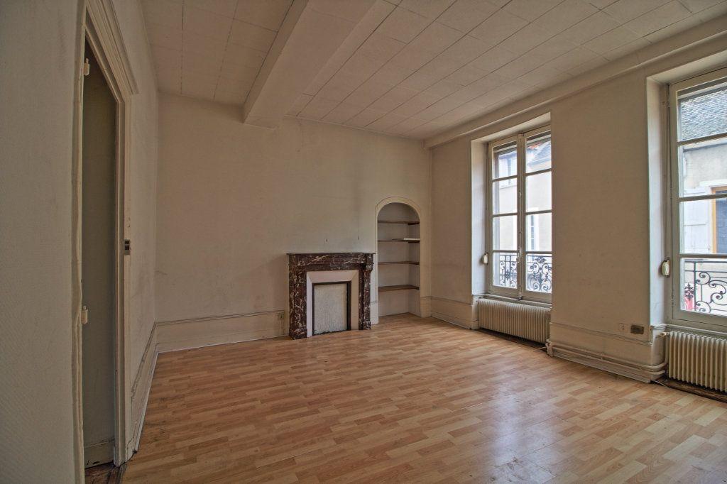 Immeuble à vendre 0 320m2 à Givry vignette-8