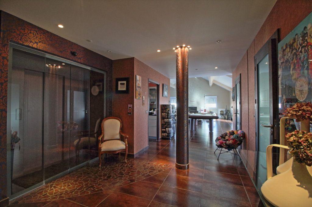 Appartement à vendre 5 178.54m2 à Chalon-sur-Saône vignette-8