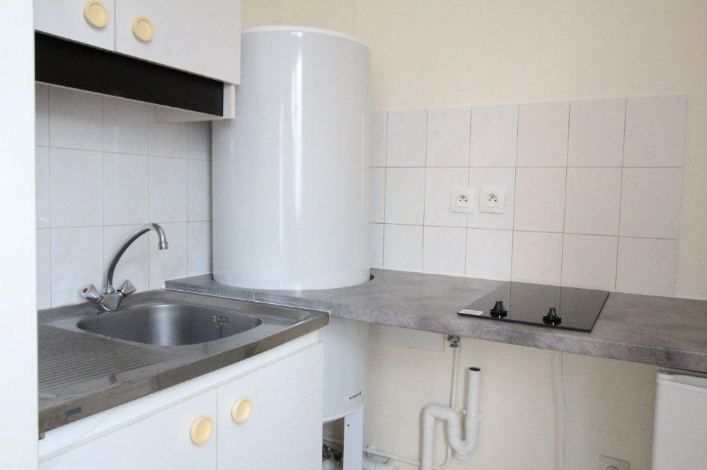 Appartement à louer 1 20.34m2 à Nozay vignette-2