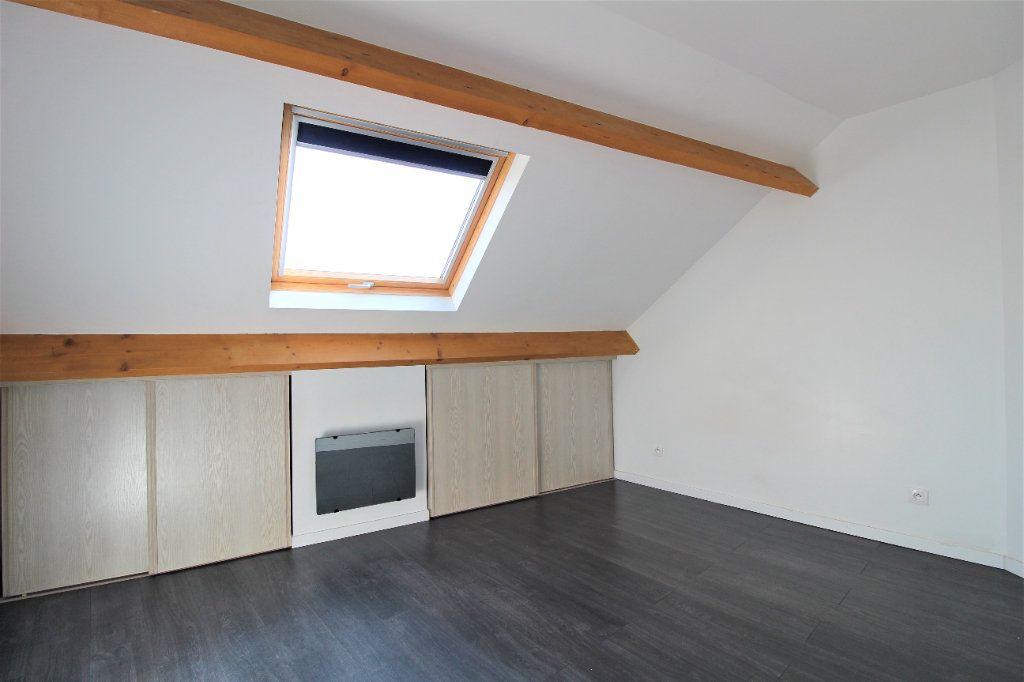 Appartement à louer 3 35.98m2 à La Ville-du-Bois vignette-4