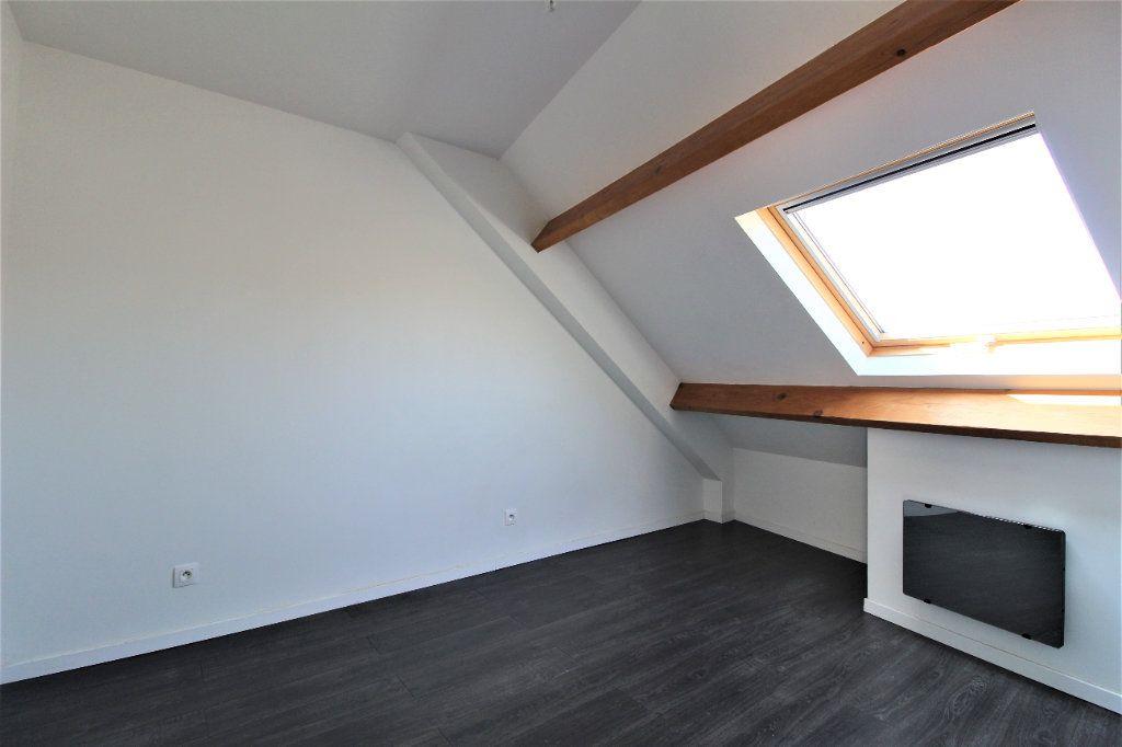 Appartement à louer 3 35.98m2 à La Ville-du-Bois vignette-5